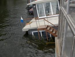 RME Fireface 400 Thames House Boat