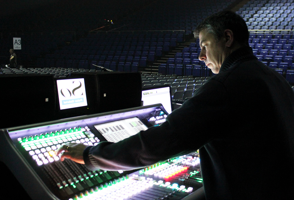 Ben Findlay FOH - Peter Gabriel - Synthax Audio UK - 2 - Synthax Audio