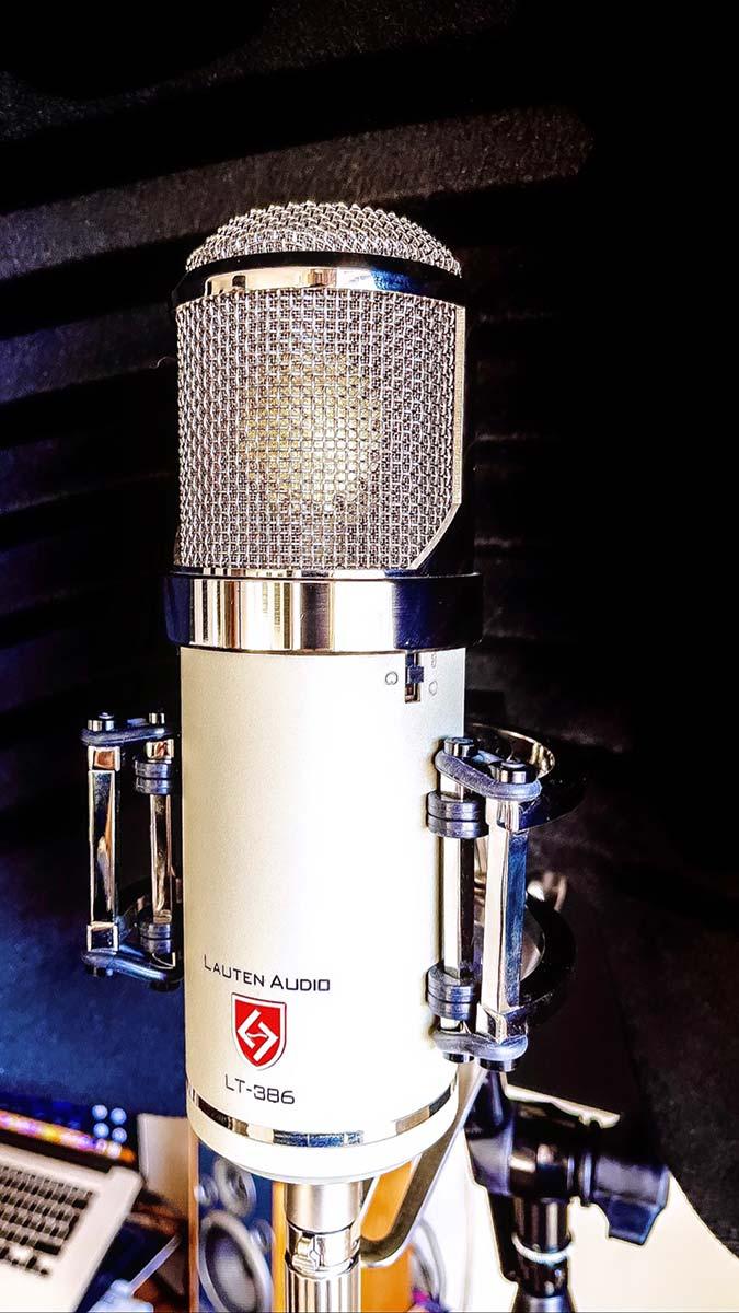 David Dosi - Lauten Audio Eden Microphone - 03 - Synthax Audio UK