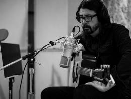 Lauten Audio Foo Fighters Feature Image - Synthax Audio UK