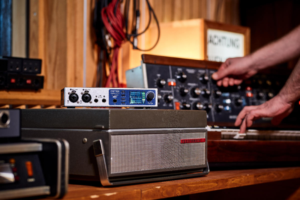 Recording synths with the RME Fireface UCX II